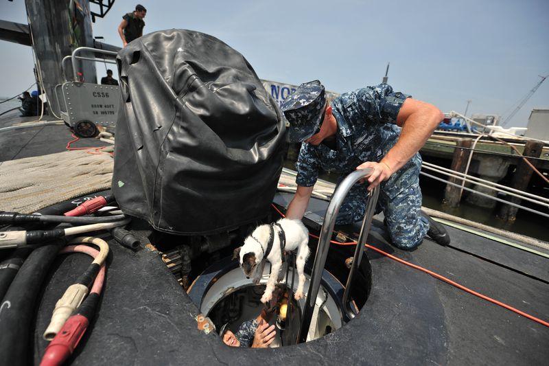 11_Norfolk - Lars entering submarine 2